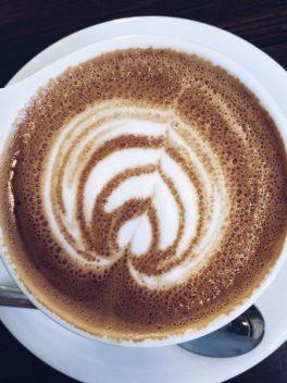 Man versus Maschine coffee