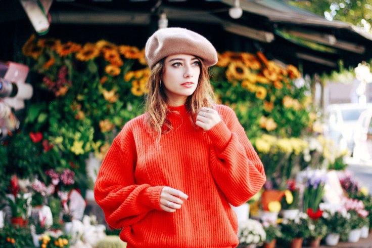 Summer Look, Spring Summer 2018, SS 18, Autumn Look, Herbst look, Winter Look, Frühling Look, Sommer Look, Rot Trendfarbe, Roter Pullover, H&M, Zara Look, Barett, French look, französischer Look